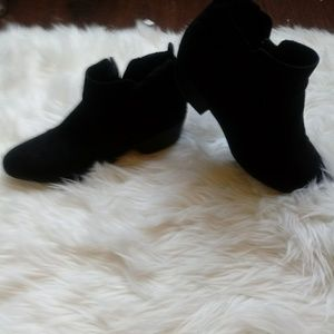 Womens bkack suede boots
